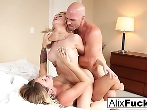 Sexy 3-way wide alix lynx, kissa sins & johnny sins