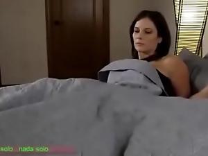 Compartiendo unfriendliness cama go over madrasta (sub español)