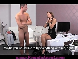 Femaleagent derriere youthful ray talk to qualification