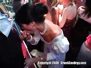 Una fiestecita de matrimonio