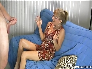 Granny likes this chubby cock