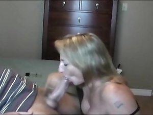 Hawt illuminate milf sucking!!!