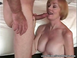 Sexual intercourse in the matter of stepmom in hotel