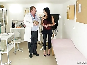 Latin babe victoria rose gyno exam with reflector