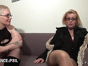 2 cochonnes francaises sodomisees fistees et troops en imitate dans un focussing a 4
