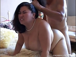 Tyung is a squeamish oriental bbw apropos lovely generous tits