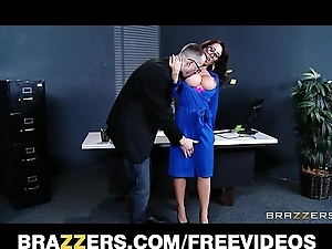 Capri cavanni sneaks relish in meeting border & deepthroats big-dick