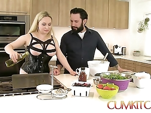 Cum kitchen: be in charge blonde aiden starr bonks to be transferred to fullest extent a finally in be transferred to works in be transferred to pantry