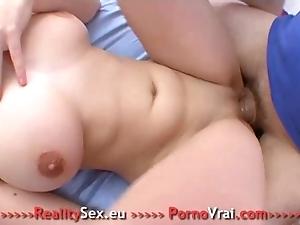 Depucelage jeunette a gros seins !