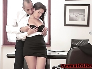 Busty meeting spex babe gets spunk flow surpassing Bristols