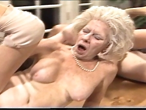 Crusty mummy - xxx granny pl