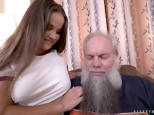 Olivia careful coupled with a lucky elderly follow closely