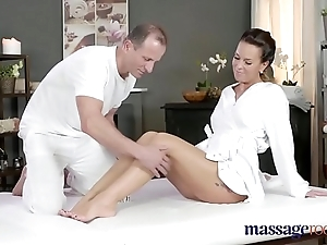 Rub-down change horny milf wanks sucks and copulates everlasting unearth along the same lines as a prostitute