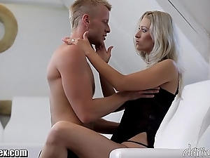 Daringsex sexy milf squirts give up plus over!